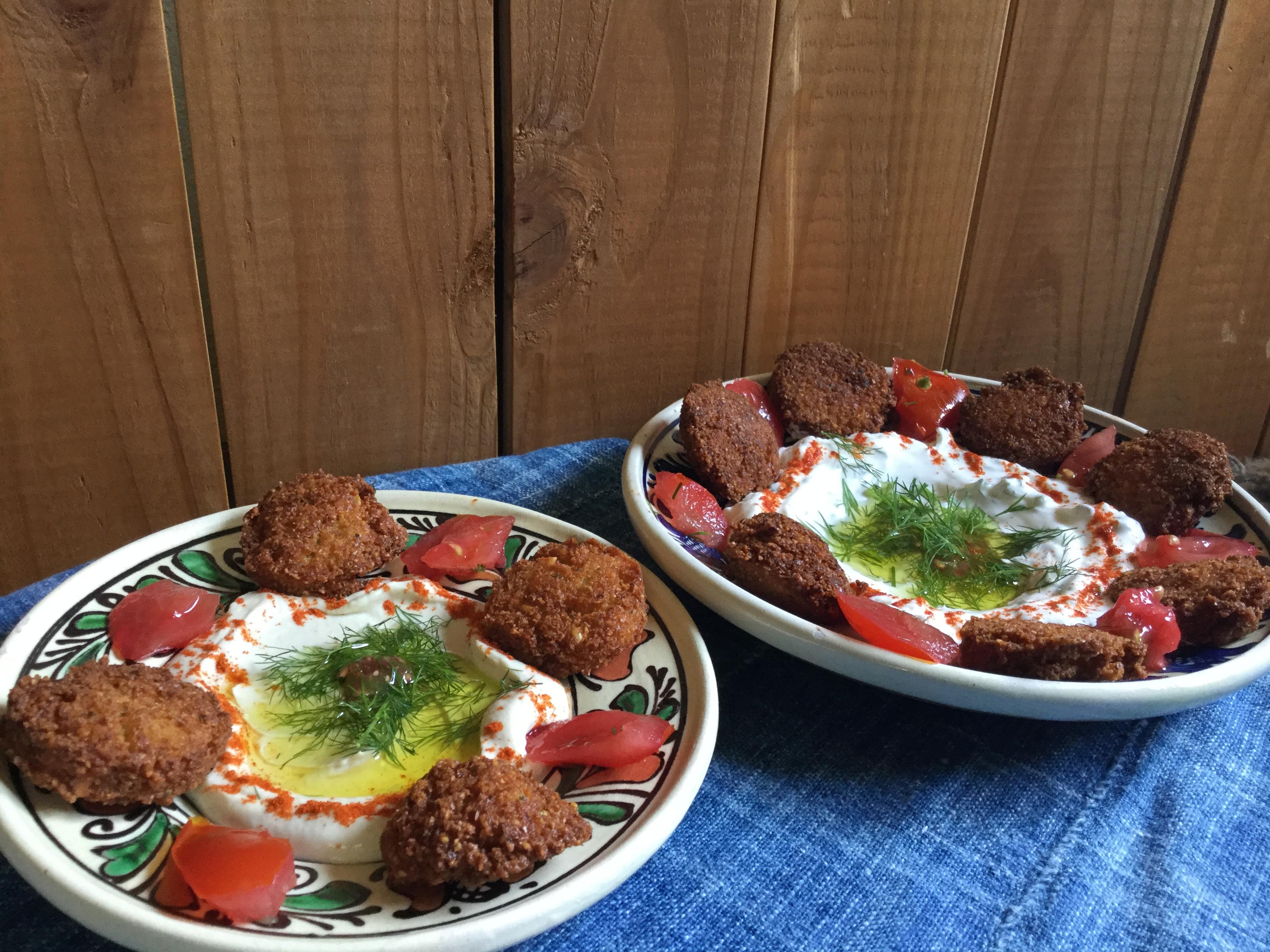 忙しい日常を離れて休日のランチに地中海料理を家庭で楽しむ方法