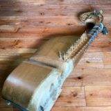 民族楽器ラバーブのチューニング方法は?
