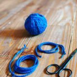 糸からひもを作る方法